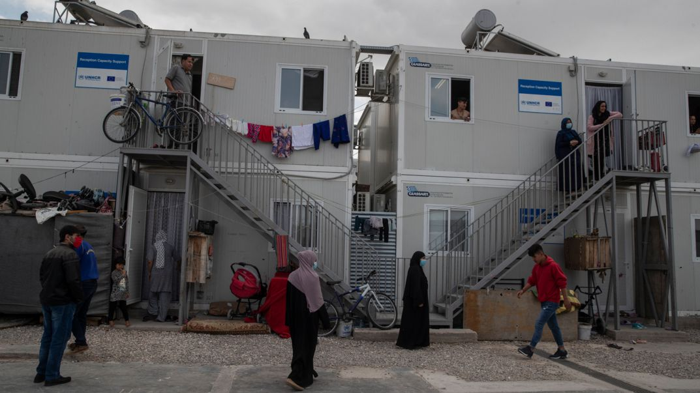 Menschen im Flüchtlingslager Eleonas.