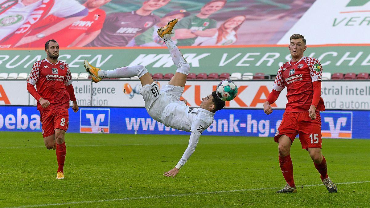 Ruben Vargas trifft per Fallrückzieher für den FC Augsburg