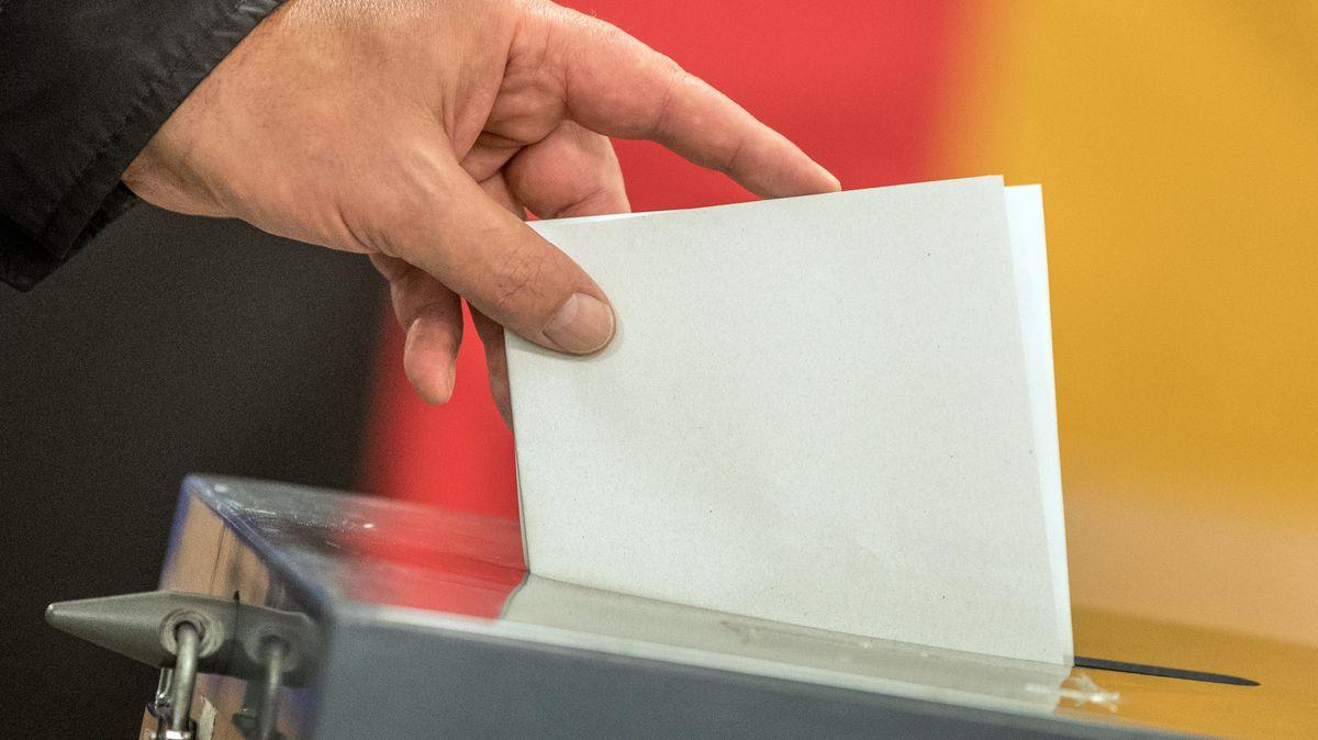 بدءا من الآن تنتشر الشائعات حول الانتخابات الألمانية الاتحادية المقبلة. يوضح # ثعلب_الحقائق من BR24# ما هي الادعاءات الأكثر شيوعًا.