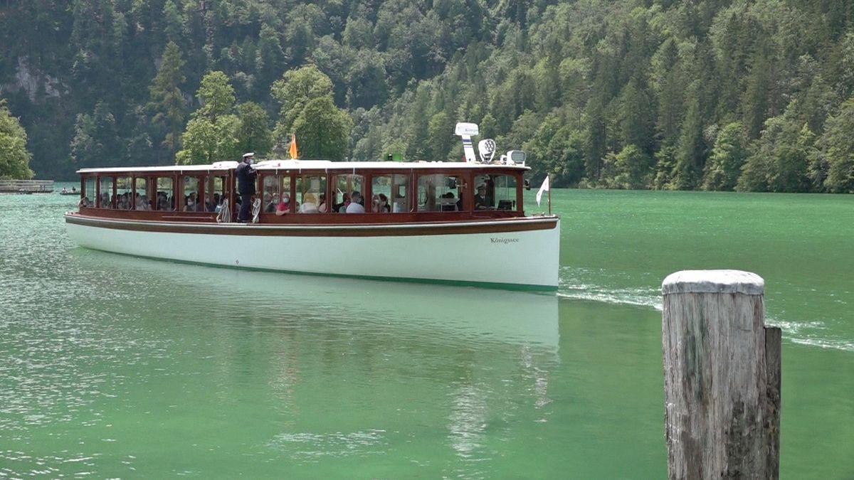 """Boot namens """"Königssee"""" der Bayerischen Seenschifffahrt auf dem Königssee"""