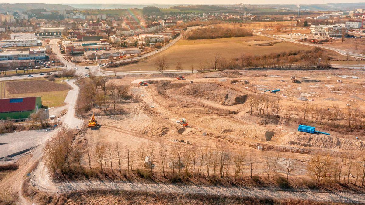 Das Grundstück des Bauabschnitts V von oben. Der im Bild vordere Bereich gehört nun den Genossenschaften St. Bruno-Werk und Heimathilfe sowie der Kronprinz-Rupprecht-von-Bayern-Stiftung.