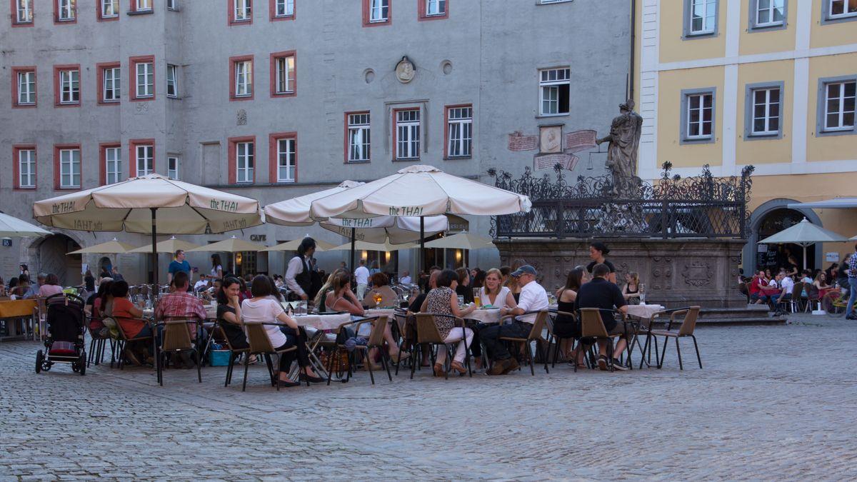 Erweiterte Freisitze am Haidplatz in Regensburg