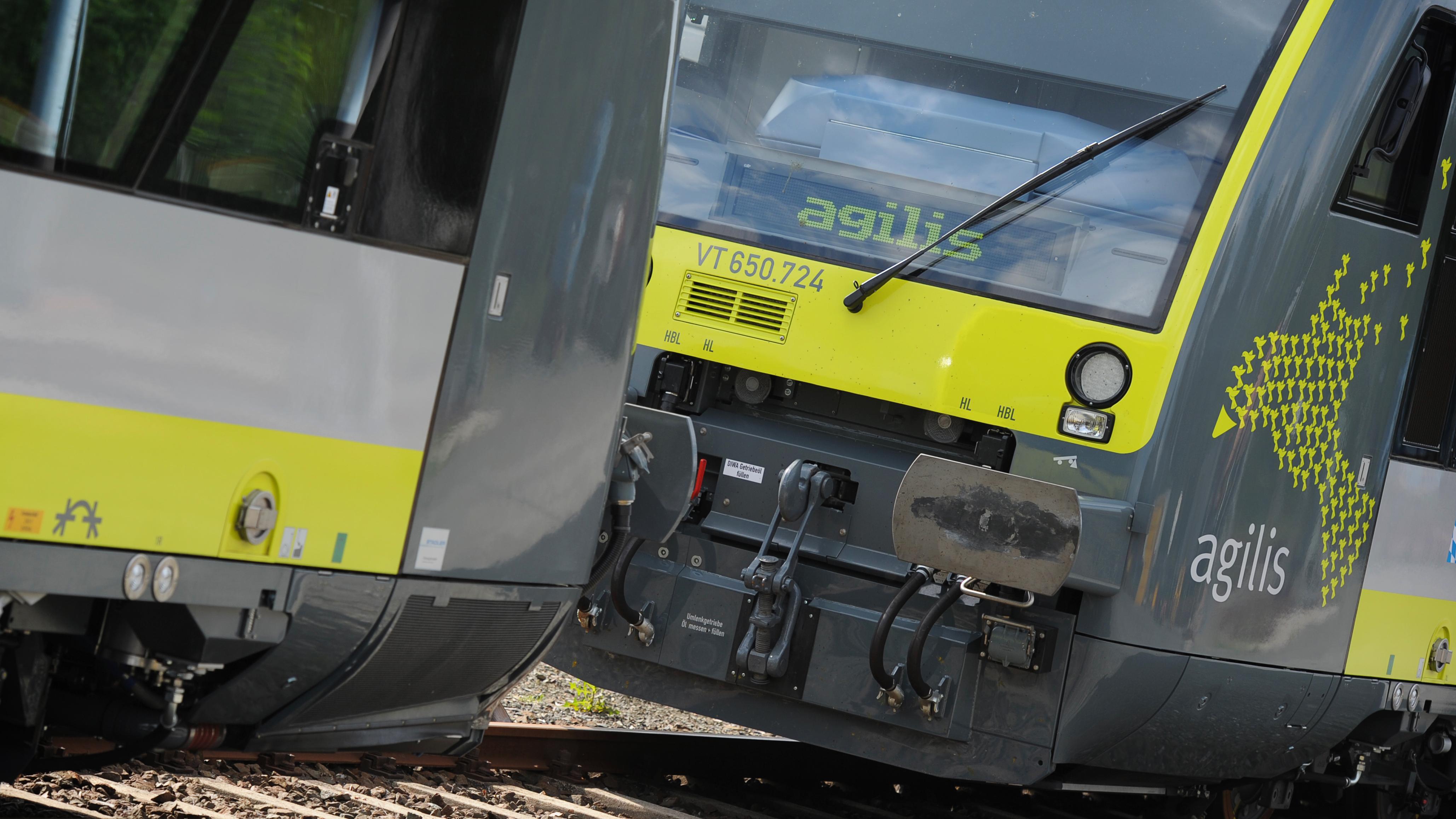 Neue Agilis-Triebwagen stehen im oberfränkischen Wirsberg