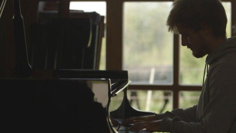 Niklas Roever beim Komponieren