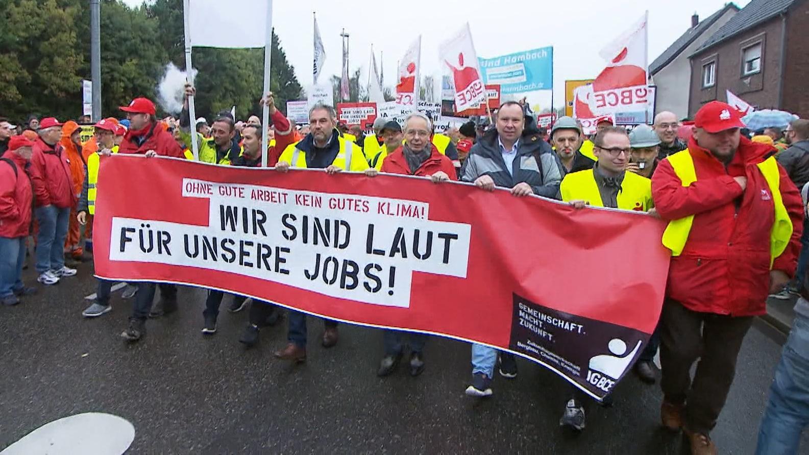 Beschäftigte aus Kohle-Branche und Industrie machen sich für ihre Jobs stark.