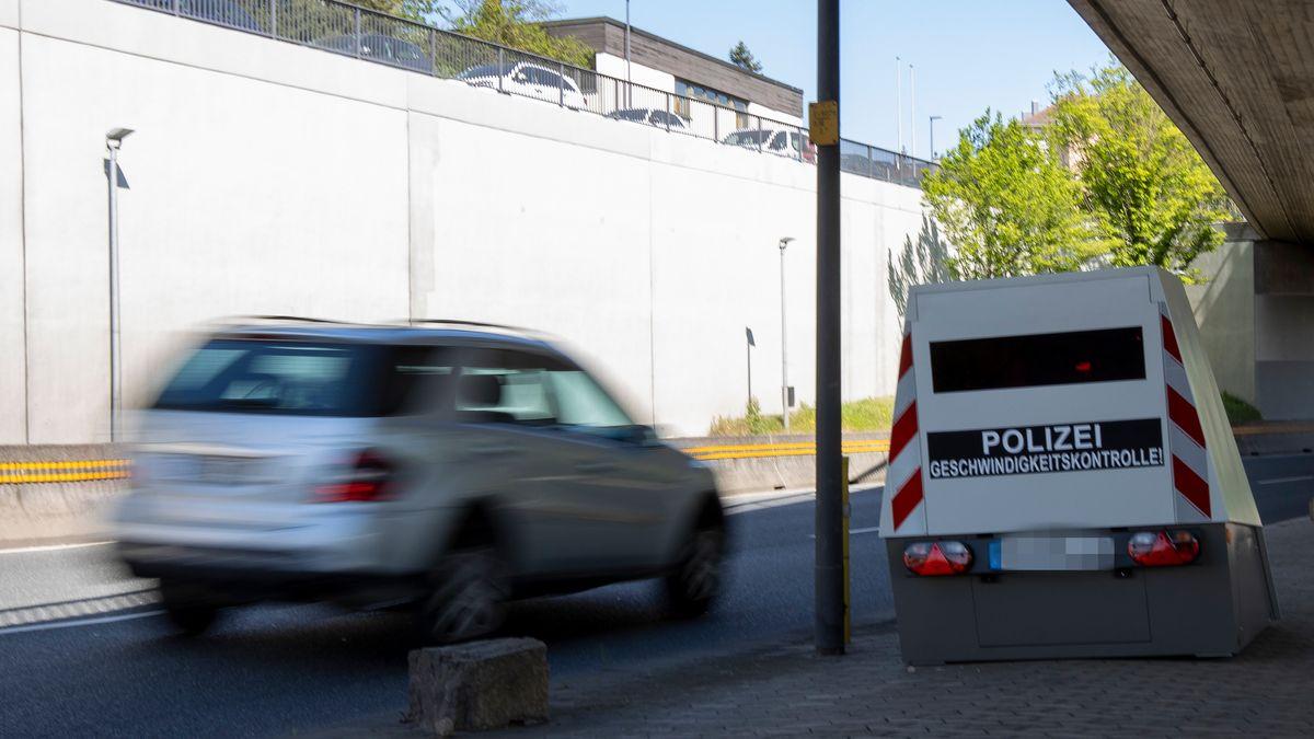 Geschwindigkeitskontrolle mit dem Enforcement Trailer