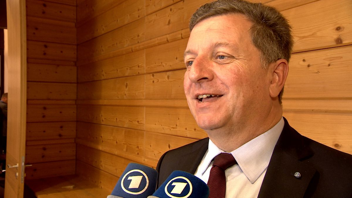Landkreistagspräsident Christian Bernreiter (CSU) im BR-Interveiw