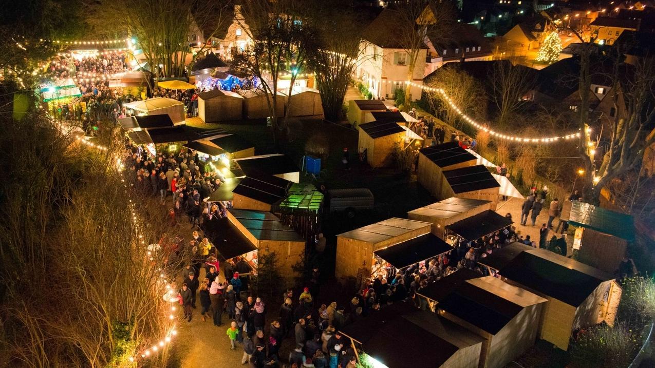 Der Weihnachtsmakrt in Dillingen - Blick von oben