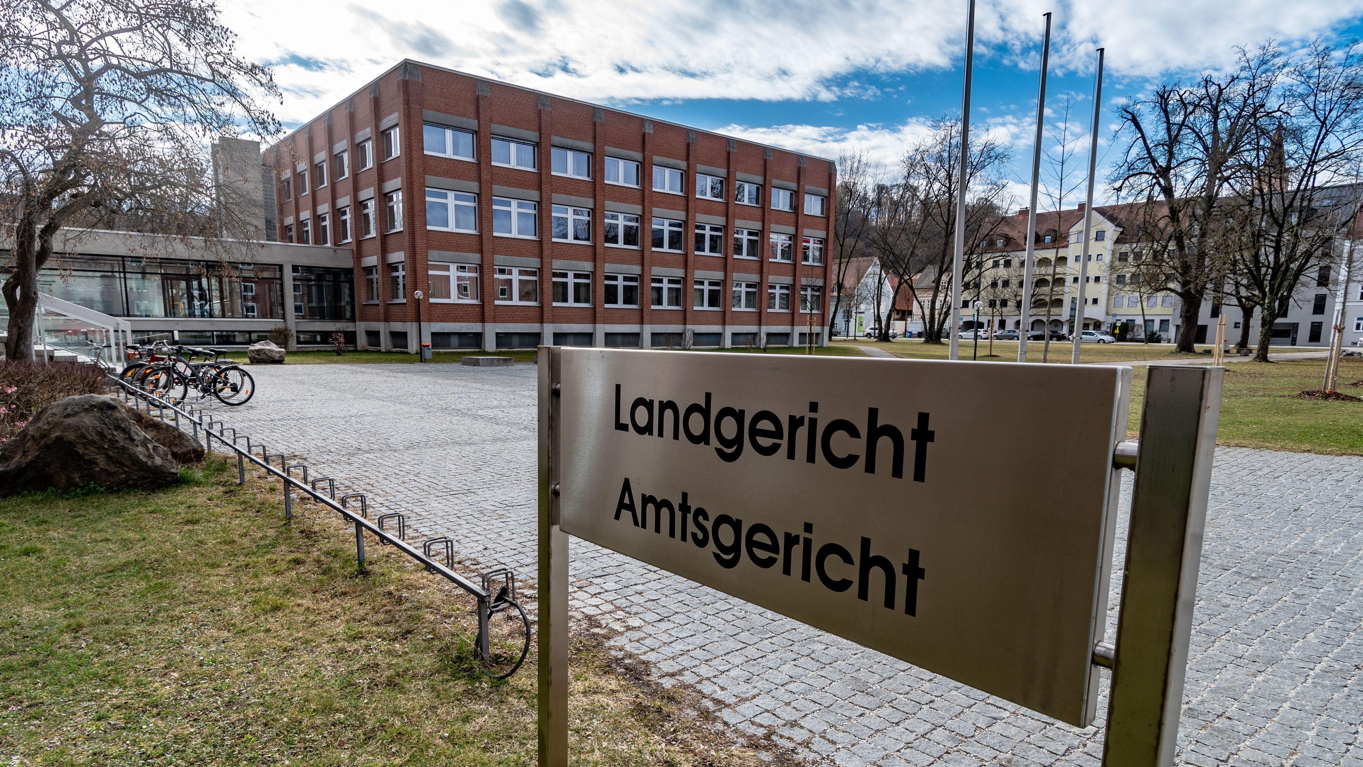 Verhandlung über versuchten Mord am Landgericht Landshut