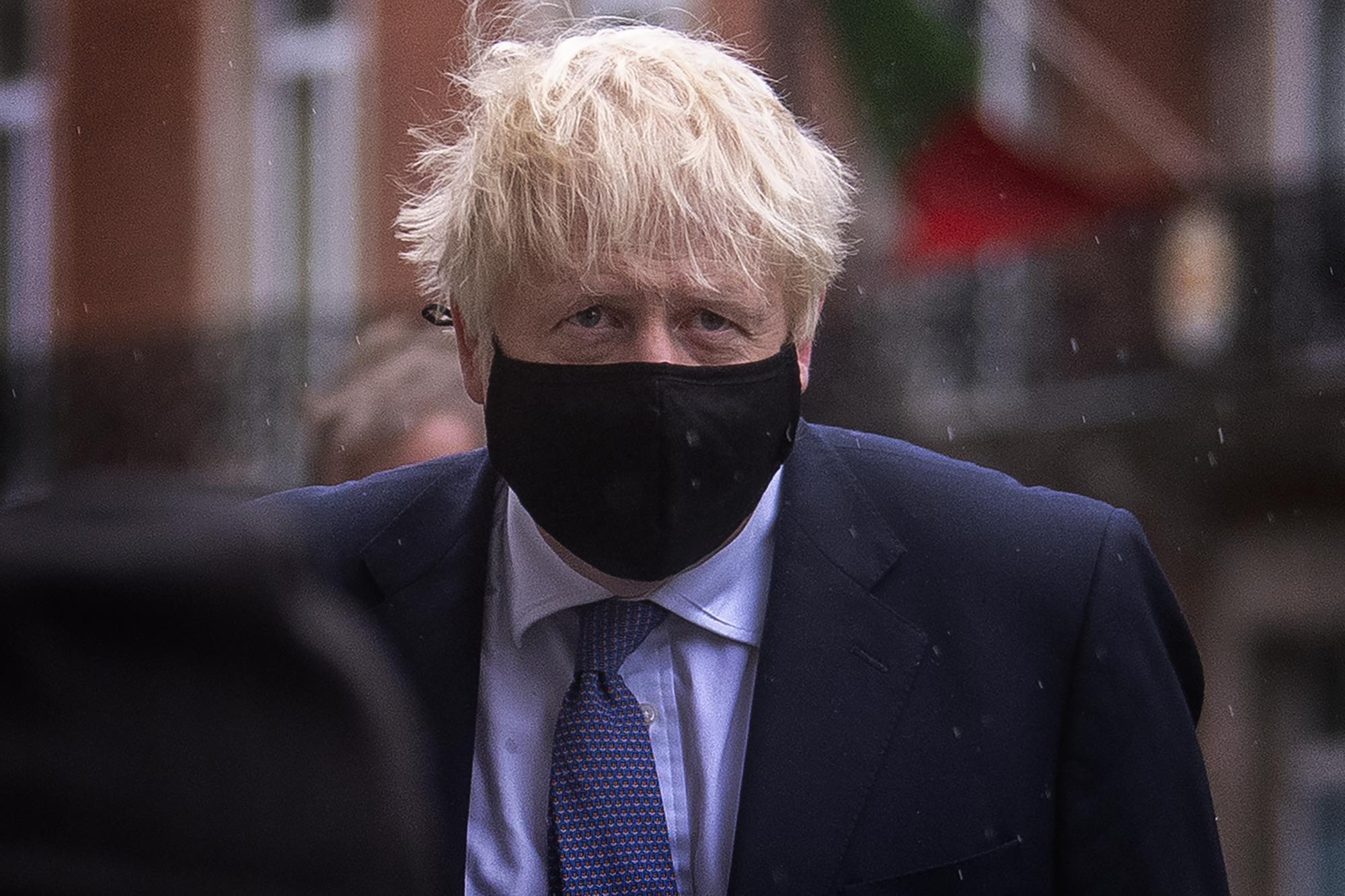 Corona-Krise in Großbritannien: Johnson sieht den Kurs als