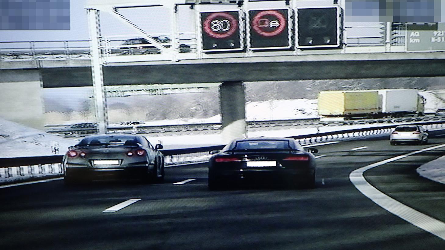 Polizeifoto von den zwei Rasern auf der A92