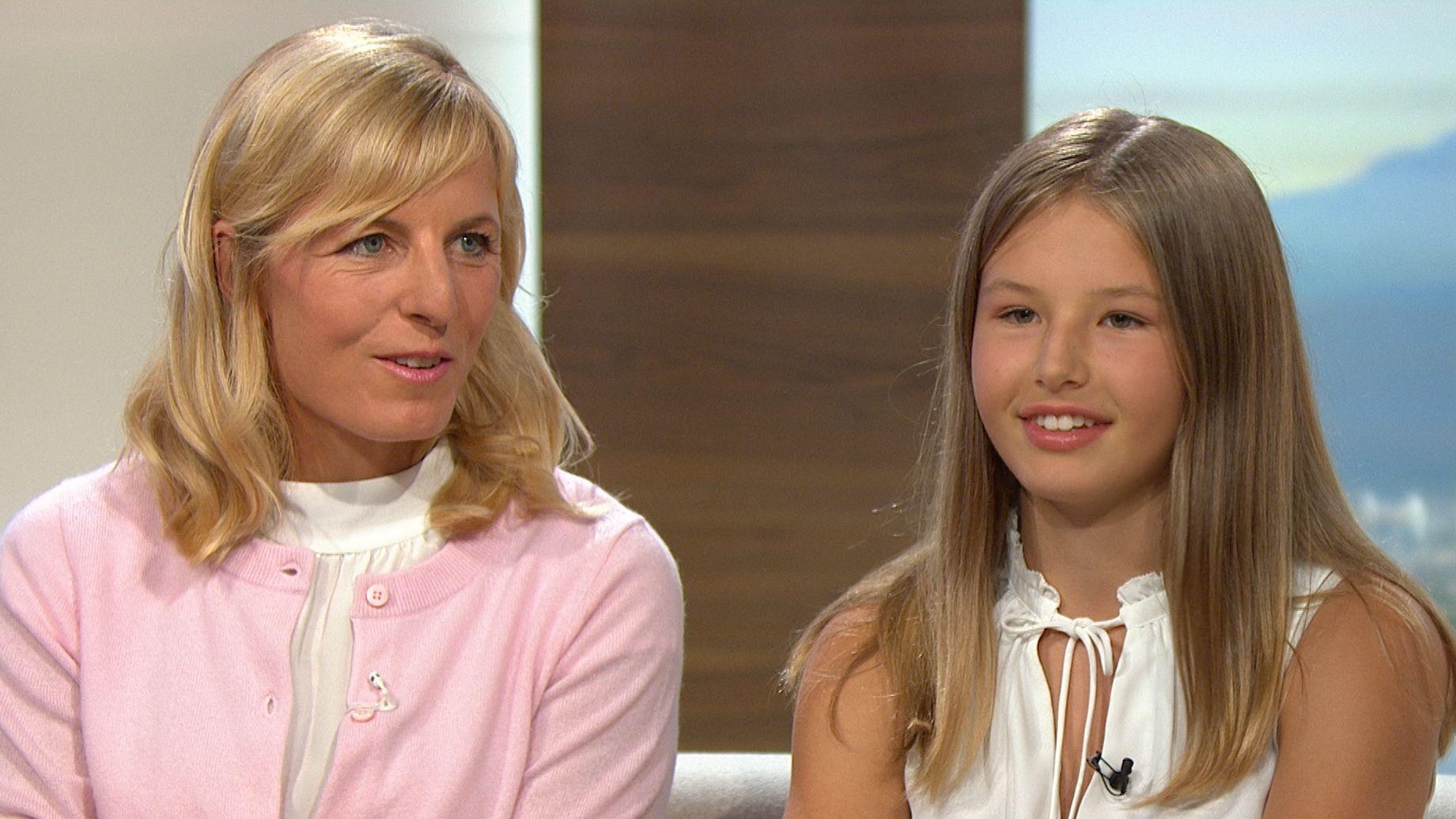 Martina Ertl-Renz (links) und Tochter Romy-Sophia in der Abendschau im BR Fernsehen