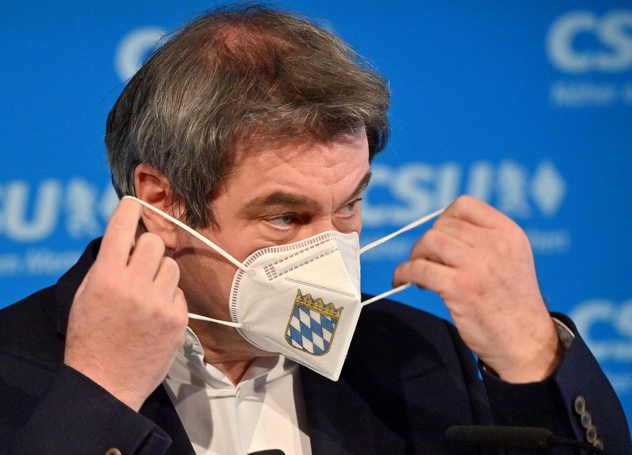 22.02.2021, Bayern, München: Markus Söder, CSU-Parteivorsitzender und bayerischer Ministerpräsident, gibt vor Beginn derVideokonferenz des CSU-Vorstands ein Statement ab. Foto: Peter Kneffel/dpa +++ dpa-Bildfunk +++