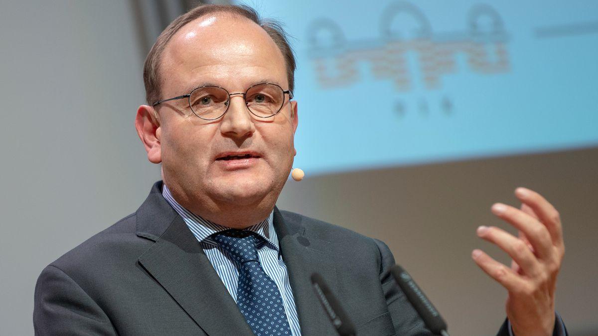 Ottmar Edenhofer (59)
