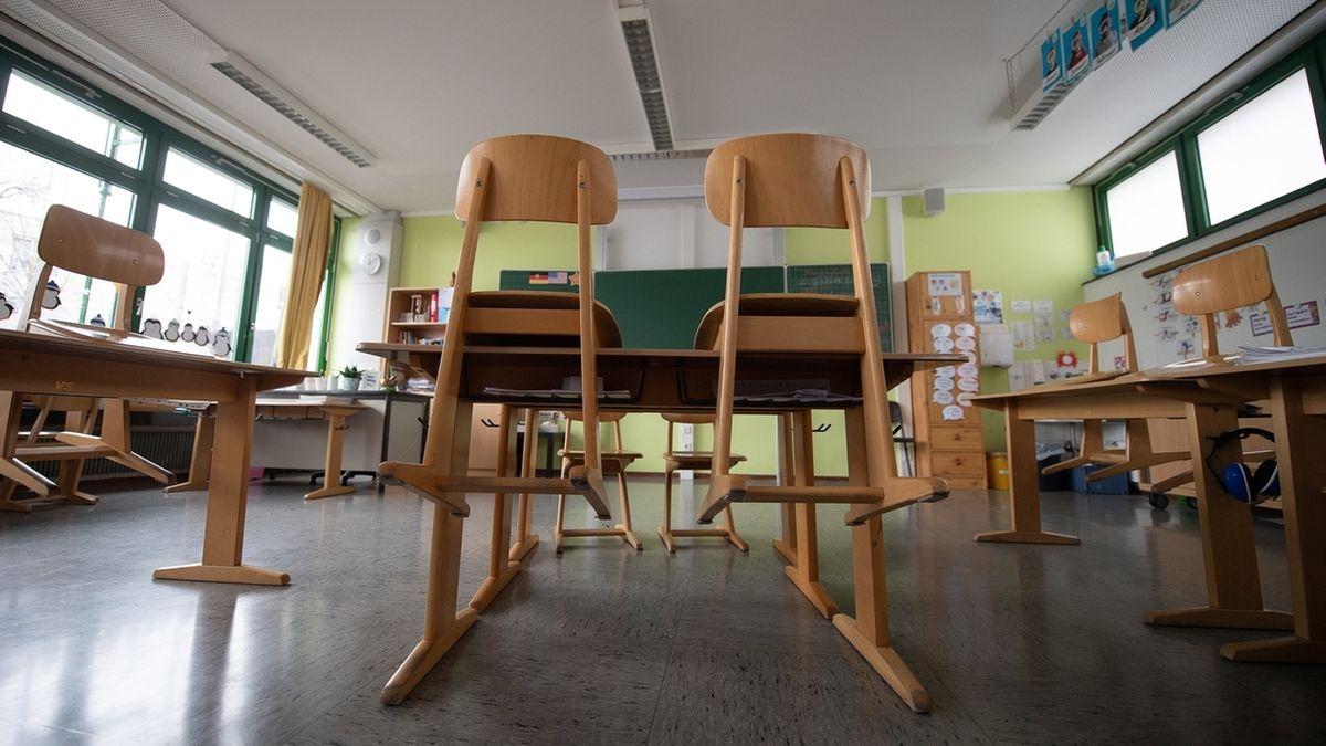 Leeres Klassenzimmer.