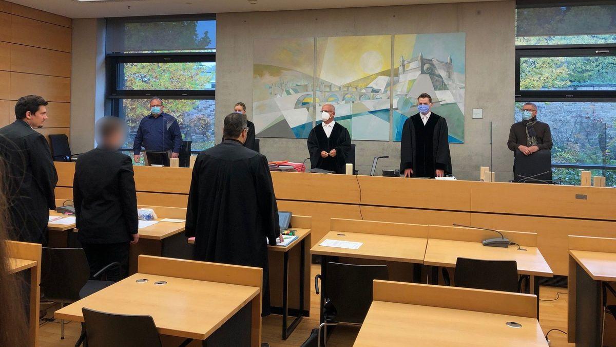 Ein 23 Jahre alter Mann muss sich in Würzburg vor Gericht verantworten: Ihm wird Mord an einem Baby vorgeworfen.