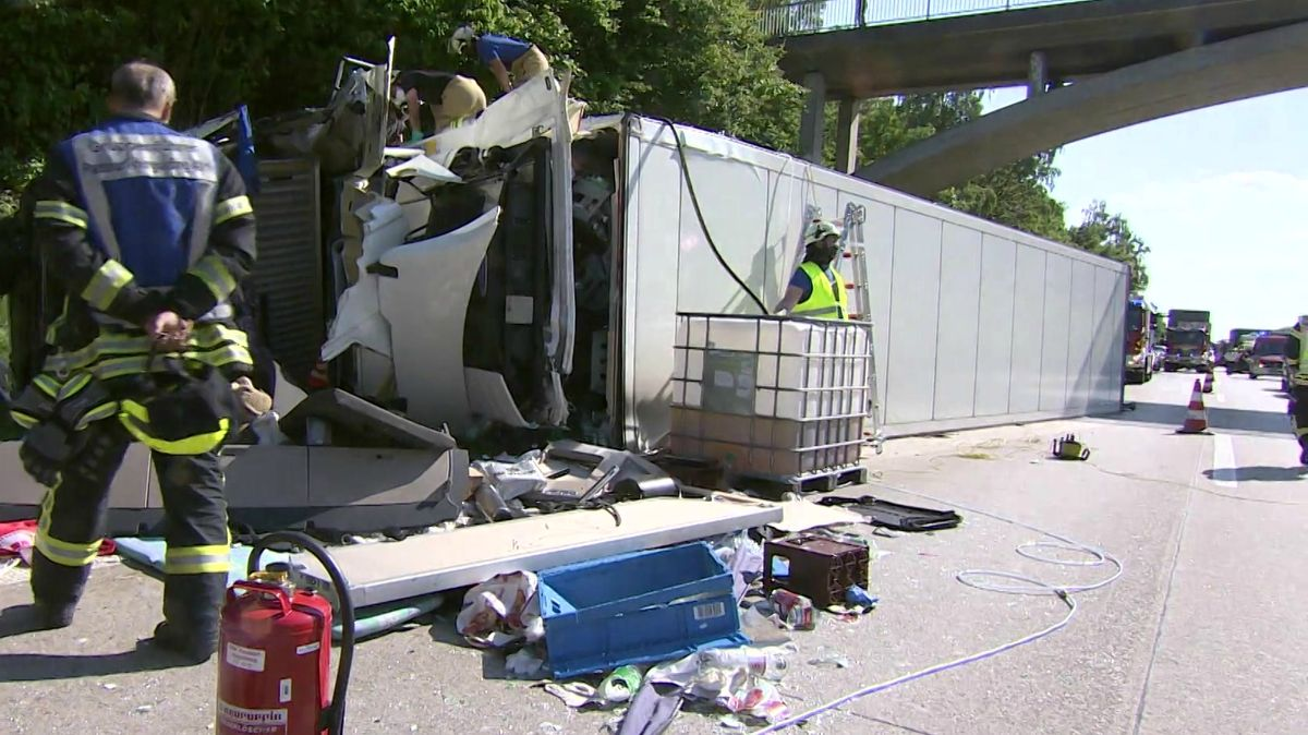 Unfall auf der A94 zwischen Parsberg und Markt Schwaben
