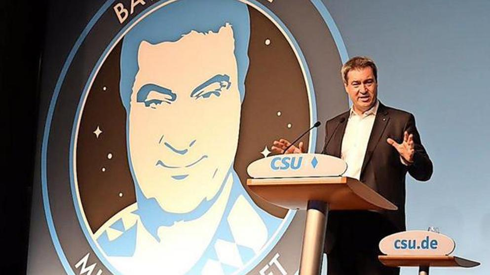 Markus Söder vor dem Logo Bavaria One