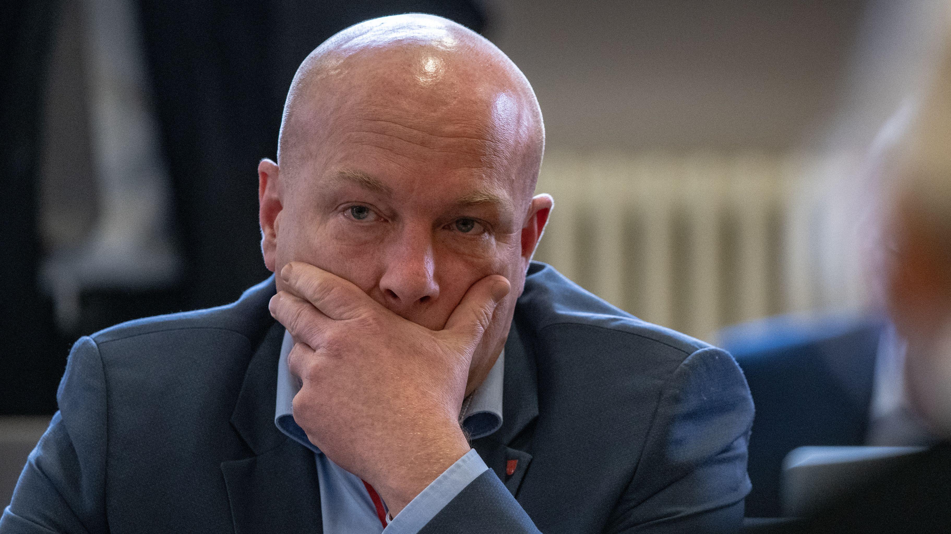 Joachim Wolbergs hat 2016 eine Baugenehmigung für eine Logistikhalle unterschrieben. Seine Beamten hatten die Unterschrift verweigert.