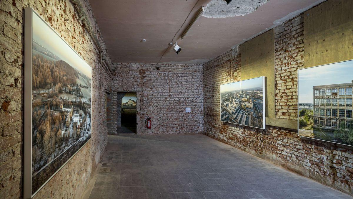 Der Fotograf Rainer Viertlböck hat die Überreste von Konzentrations- und Vernichtungslager in ganz Europa abgebildet.