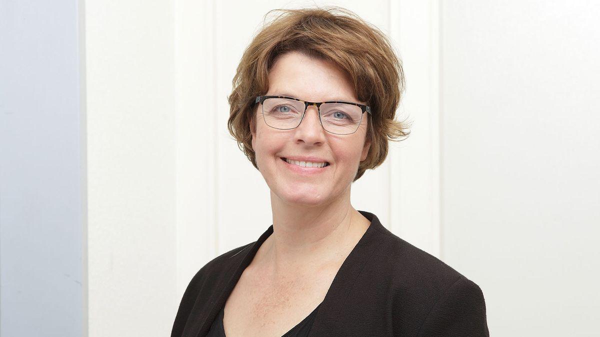 ANDREA BEER, Korrespondentin Hörfunk