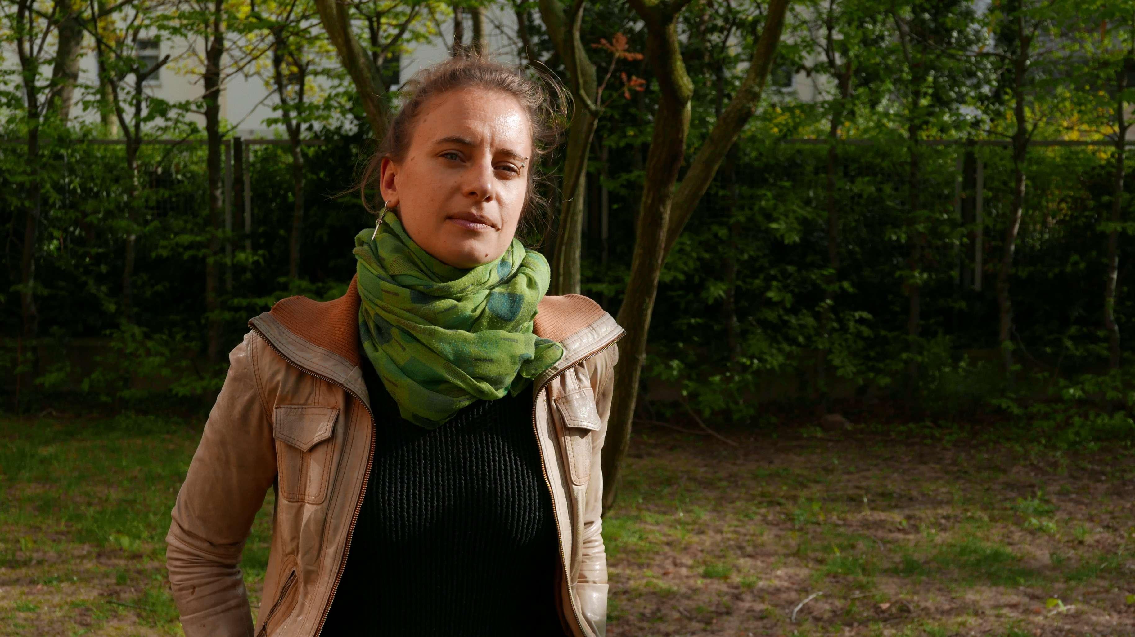"""Porträt der Klima-Wissenschaftlerin Friederike Otto. In ihrem Buch """"Wütendes Wetter"""" will sie auch von ihren Forschungen erzählen."""