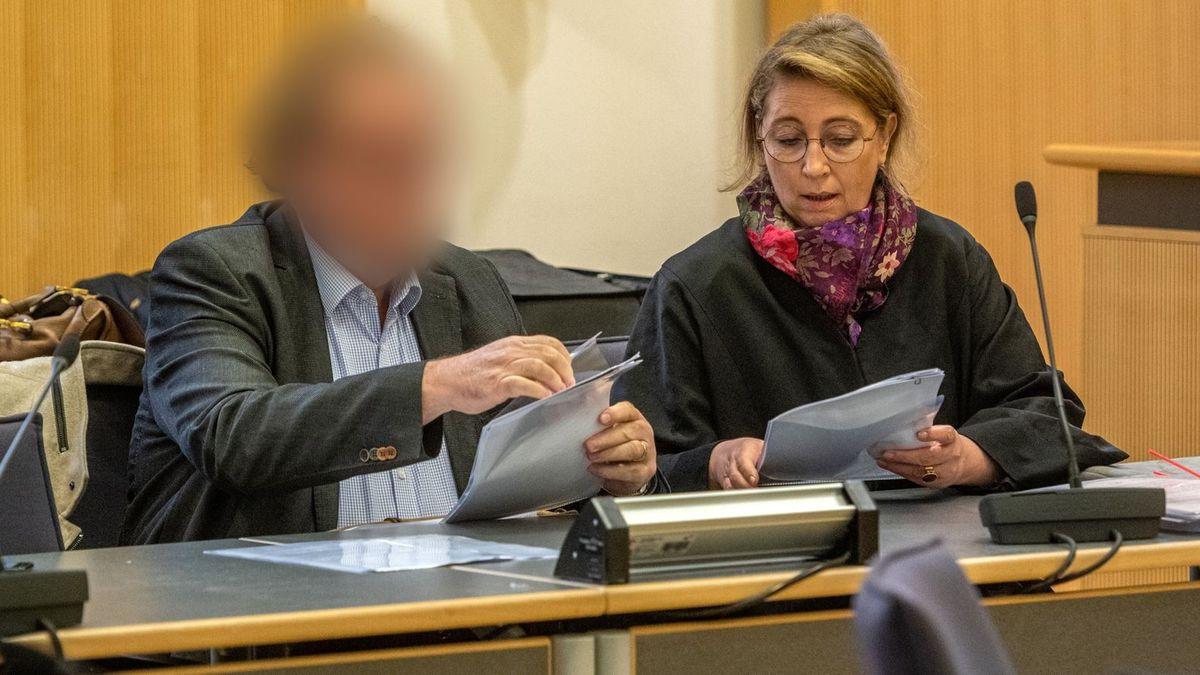 Die für Montag geplante Fortsetzung des Prozesses um die mutmaßliche Wahlfälschung von Geiselhöring am Landgericht Regensburg ist abgesagt.
