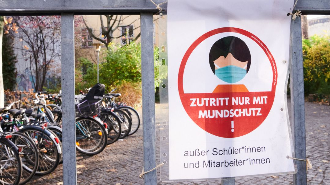 Maskenpflicht an einer Waldorfschule in Berlin