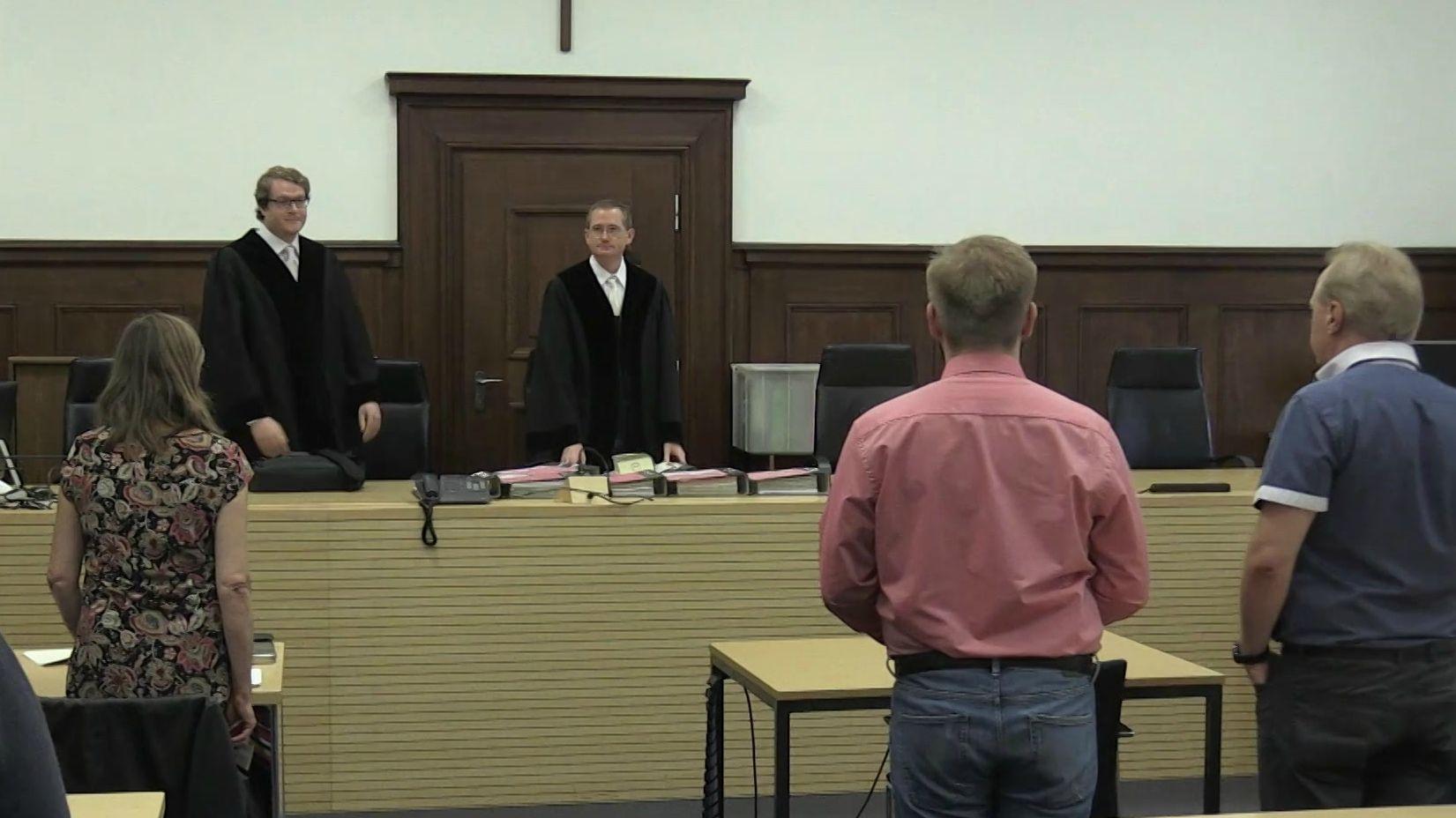 Seit heute müssen sich vier Angeklagte vor dem Landgericht Nürnberg-Fürth wegen Drogenhandels im großen Stil verantworten.