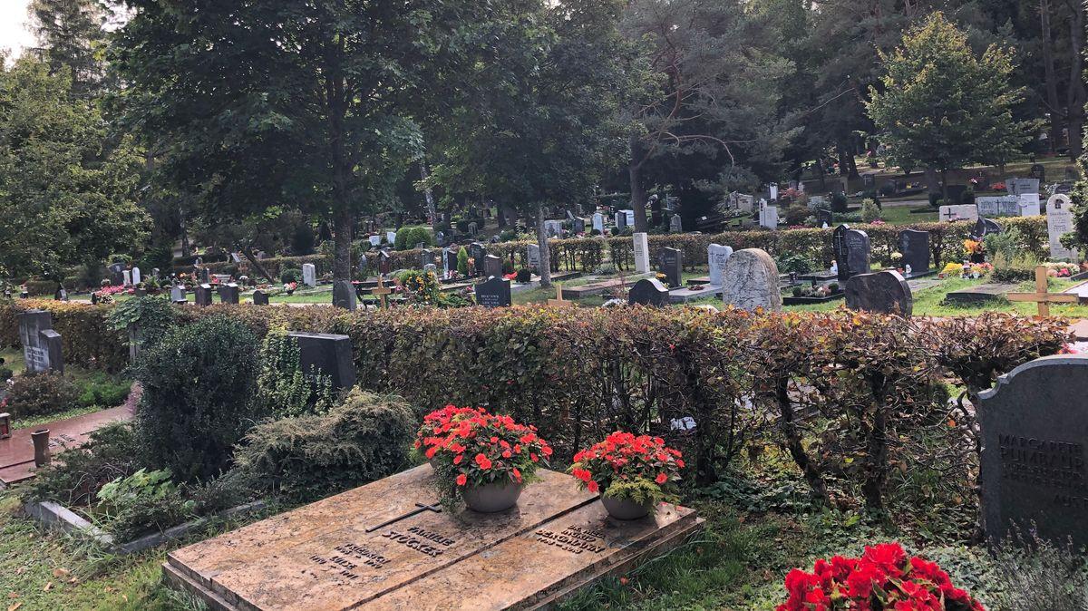 Gräber am Waldfriedhof in Ansbach