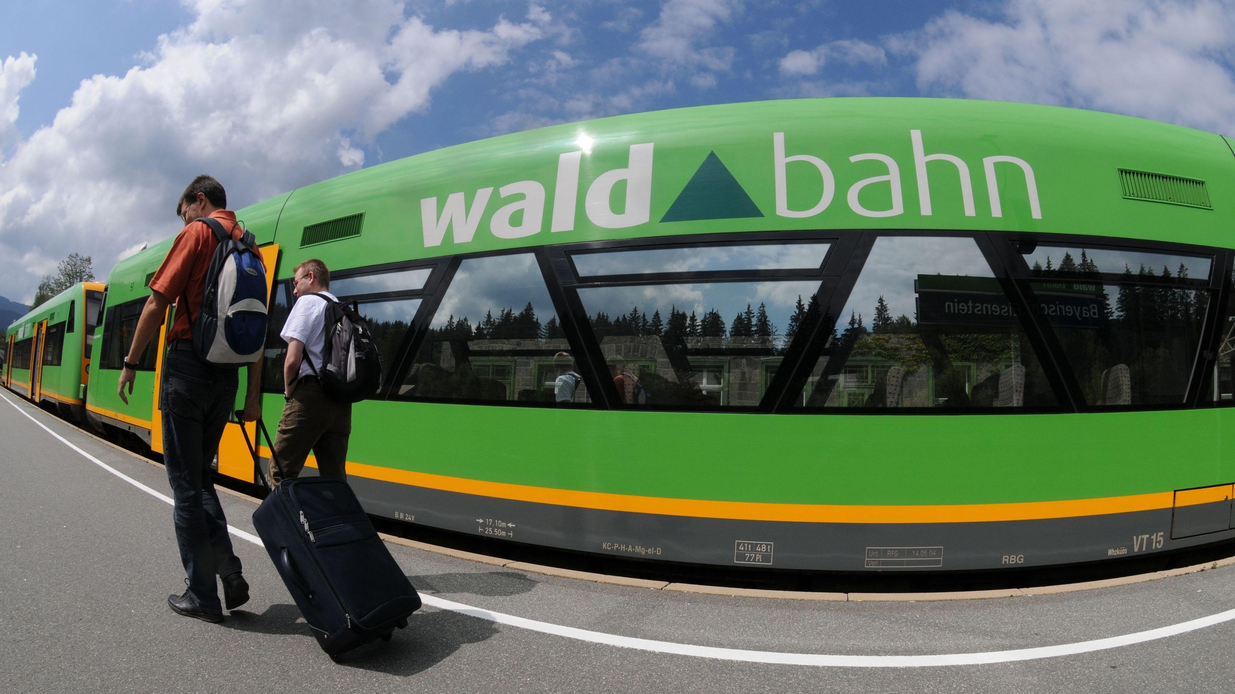 Auf der Waldbahn-Strecke zwischen Deggendorf und Zwiesel verkehrt wegen Bauarbeiten ab Montag eine Woche lang kein Zug.