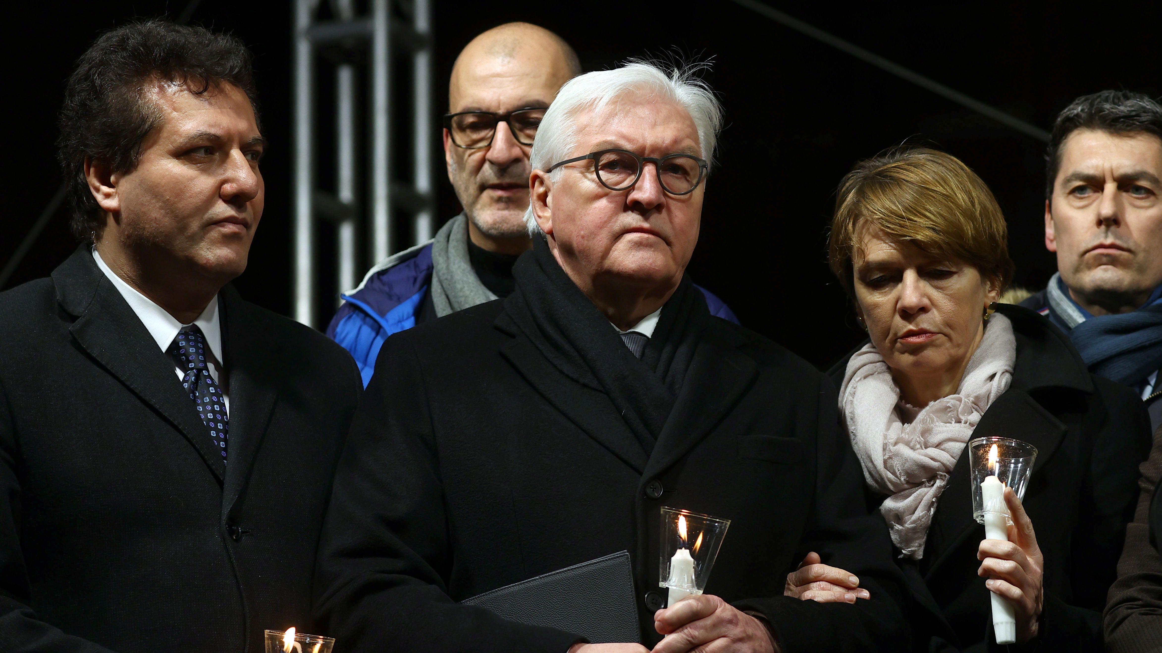 Bundespräsident Frank-Walter Steinmeier mit seiner Frau Elke Budenbender.