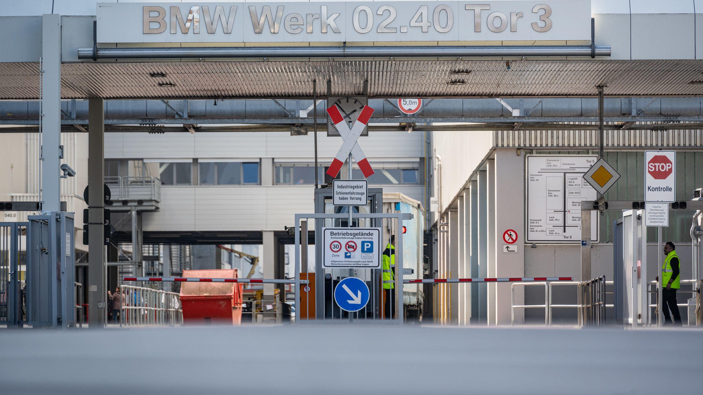 Das Tor 3 im BMW-Werk 2.4.