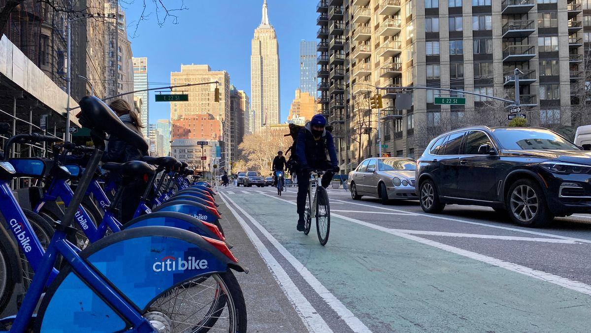 New York erlebt einen Fahrrad-Boom. Aber wer sich in aufs Rad setzt, muss  alle Sinne beisammen haben. Denn extra Spuren gibt es nicht immer.