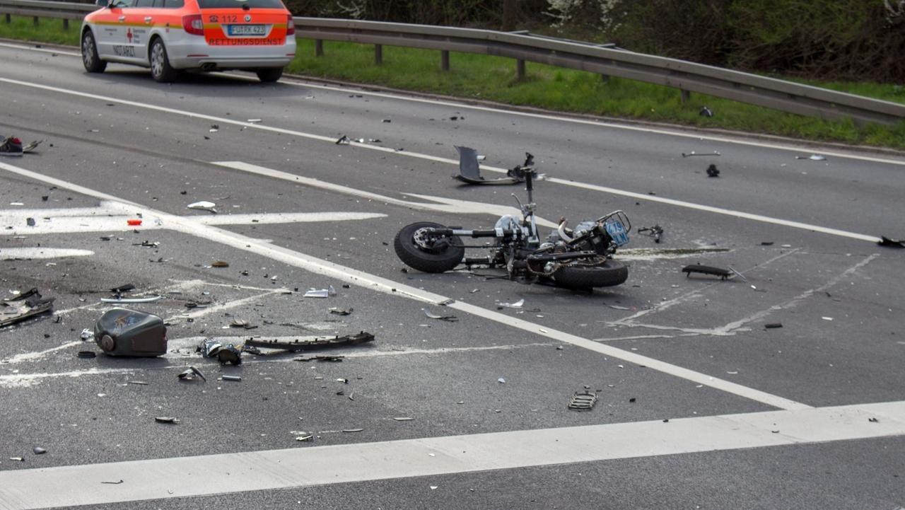 Unfall, Moped, Staatsstraße Zirndorf