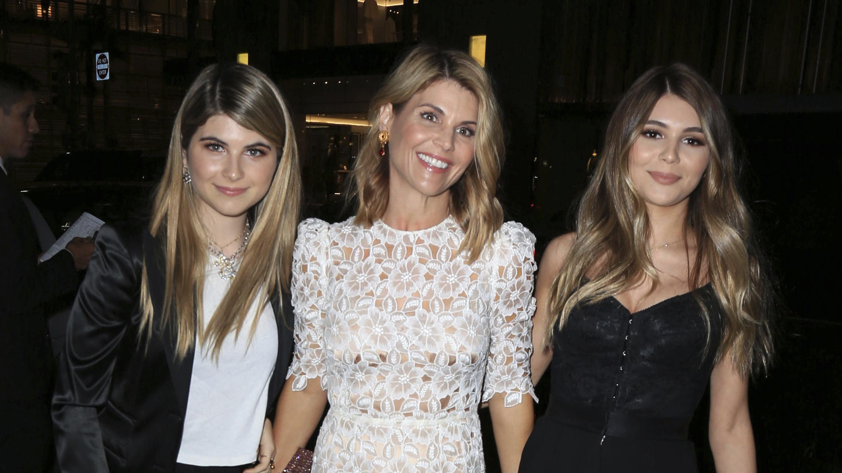 Schauspielerin Lori Loughlin mit ihren Töchtern