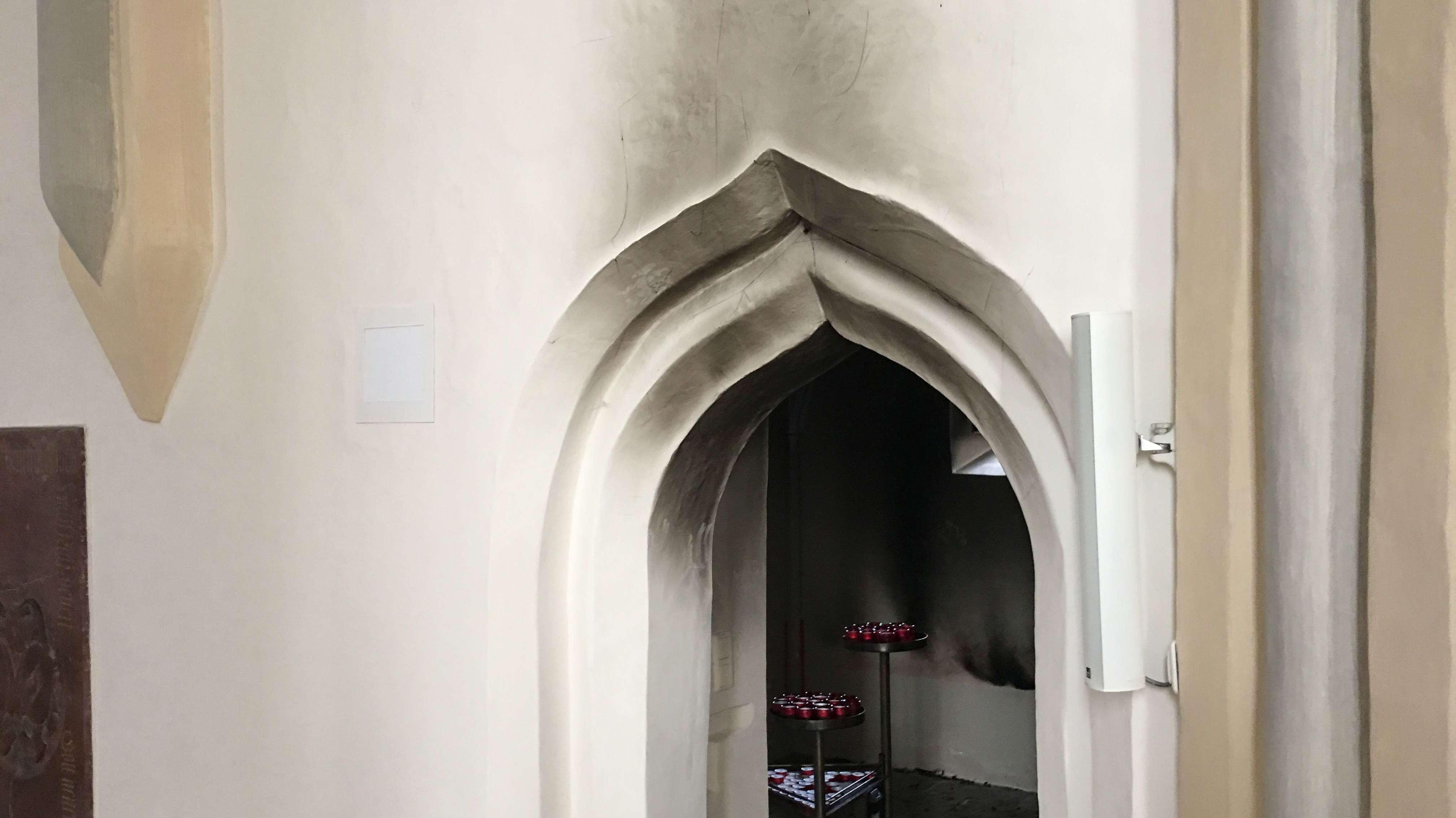 In diesem Nebenraum der Kirche hat es gebrannt