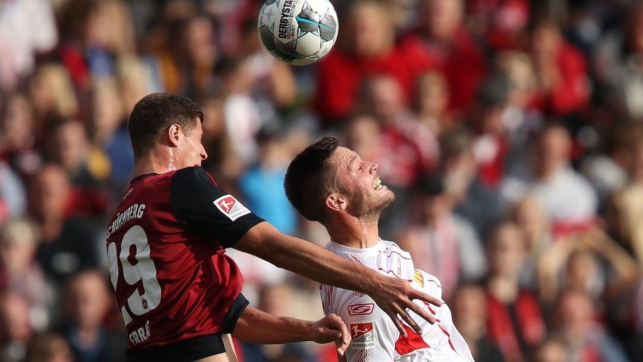 Szene im Spiel Nürnberg gegen Regensburg