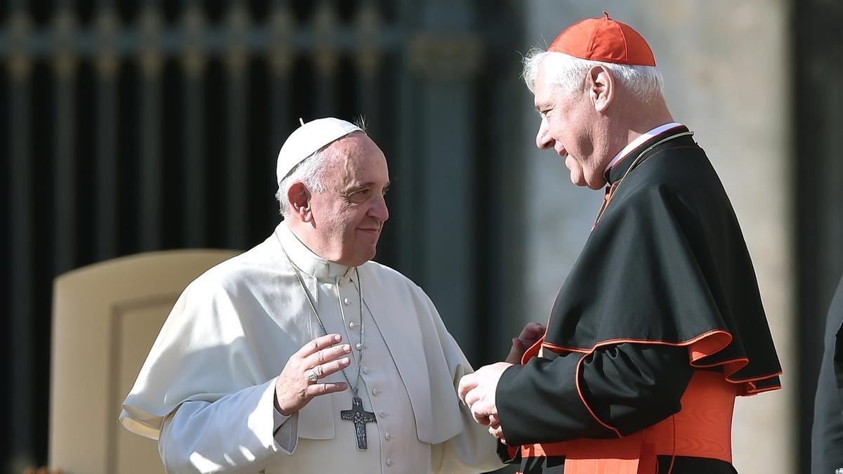 Papst Franziskus und Kardinal Müller