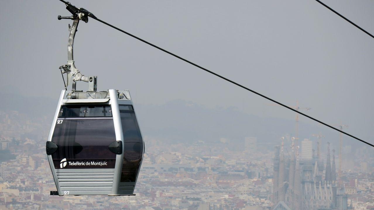 Eine Seilbahn in Barcelona. Auch Kempten möchte gerne eine Seilbahn ab 2025 in einem Rundkurs über die Stadt schweben lassen.