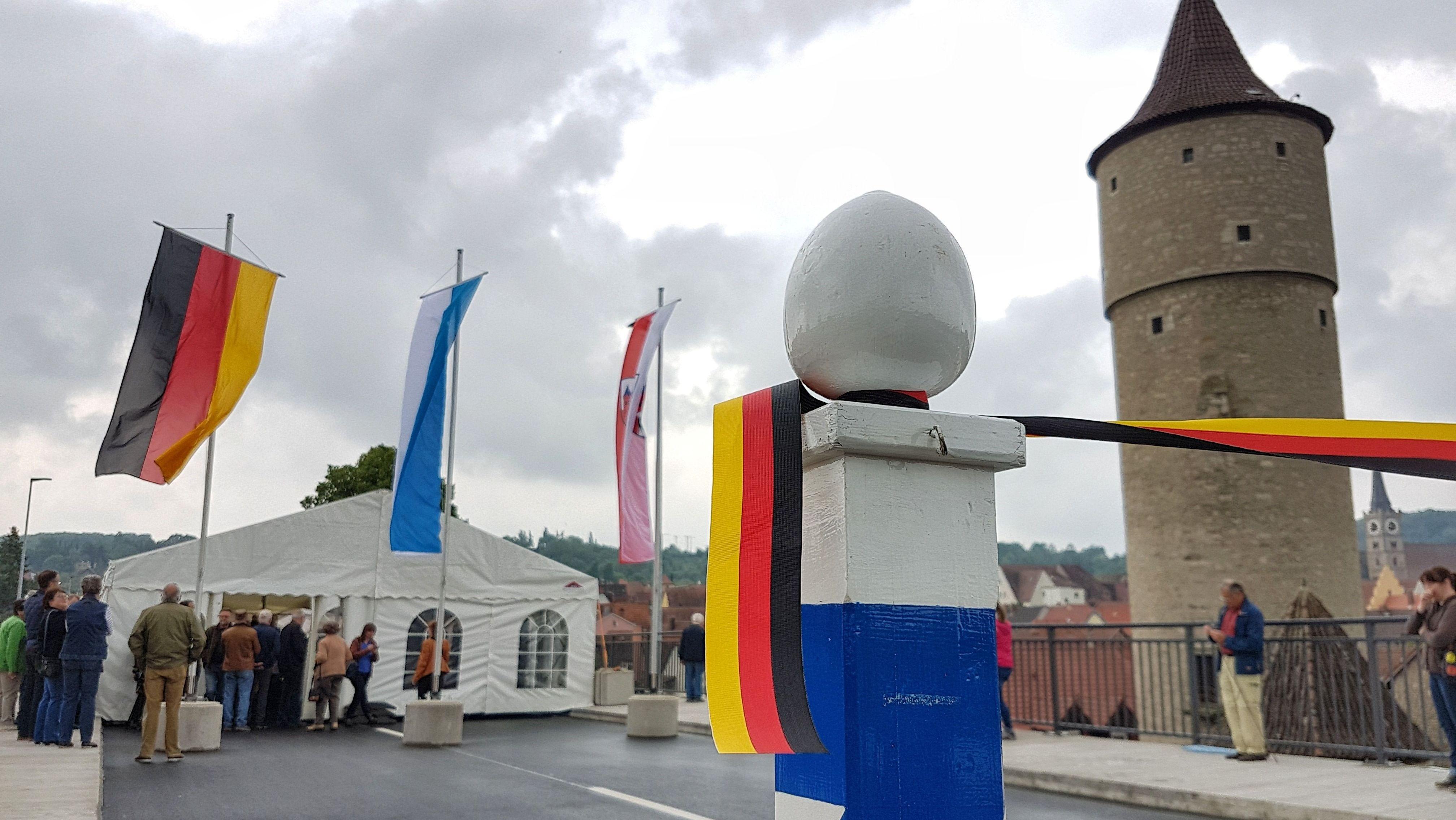 Festakt auf der neuen Mainbrücke in Ochsenfurt