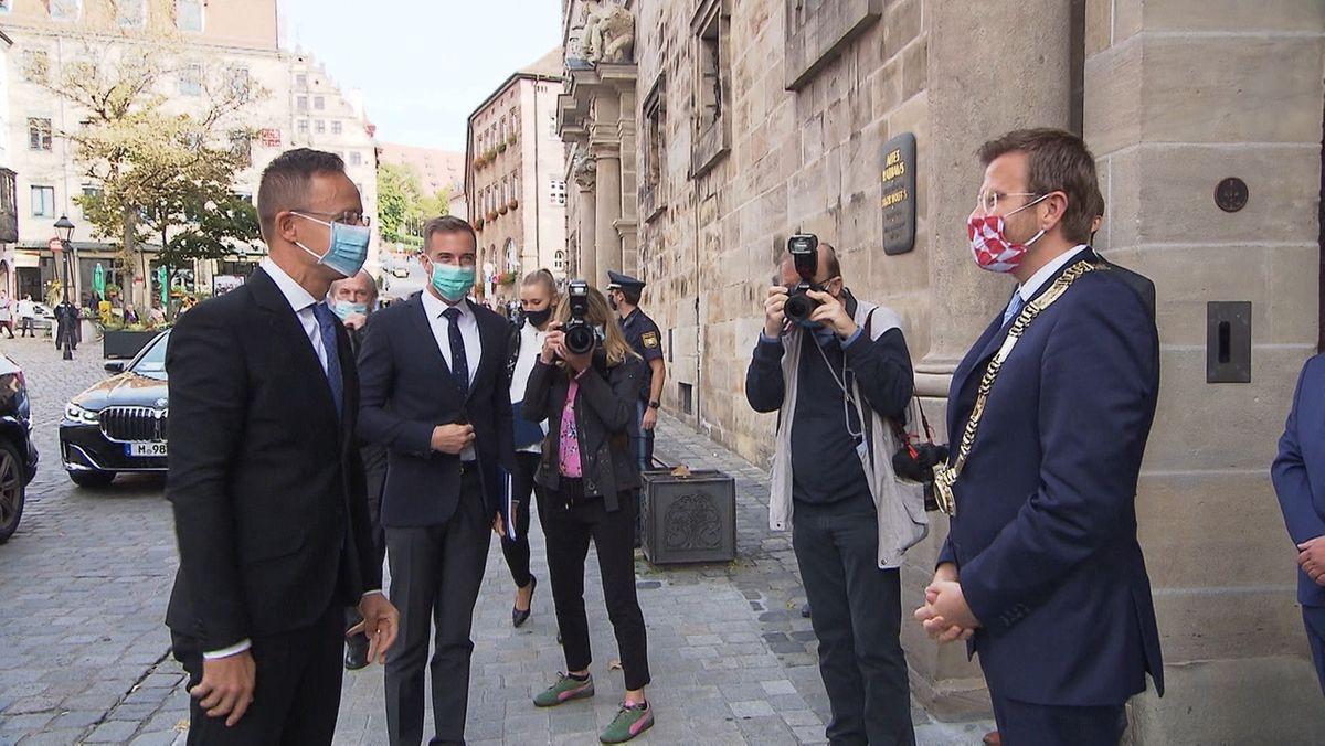 Ungarns Außenminister Péter Szijjártó trifft auf den Oberbürgermeister von Nürnberg, Marcus König (CSU)