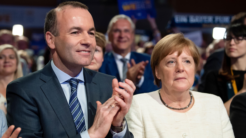 Manfred Weber und Angela Merkel