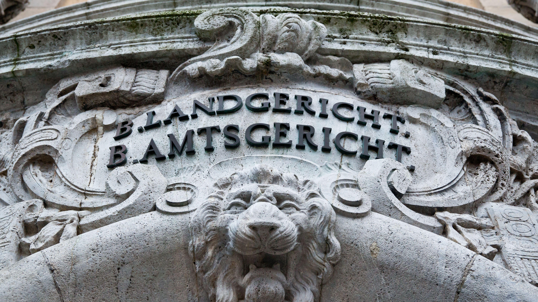 Krankenhaus-Einmietbetrüger in Schweinfurt vor Gericht