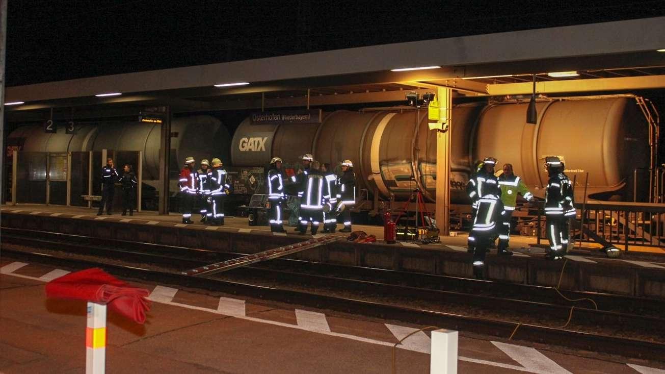 Ein tödlicher Unfall ereignete sich am Abend am Bahnhof in Osterhofen.