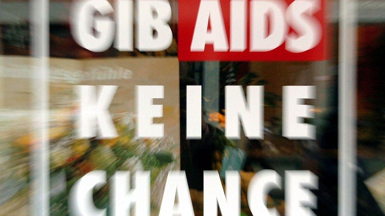 "Kampagnen-Logo: ""Gib Aids keine Chance"""