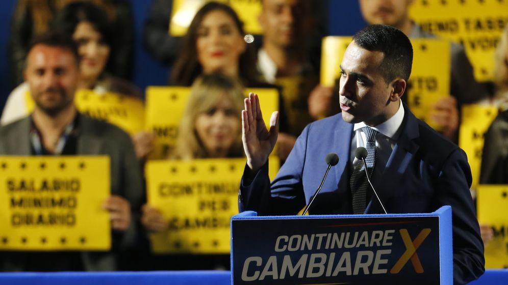 Luigi Di Maio bei der Schlusskundgebung der Fünf-Sterne-Bewegung in Rom.   Bild:dpa / picture alliance