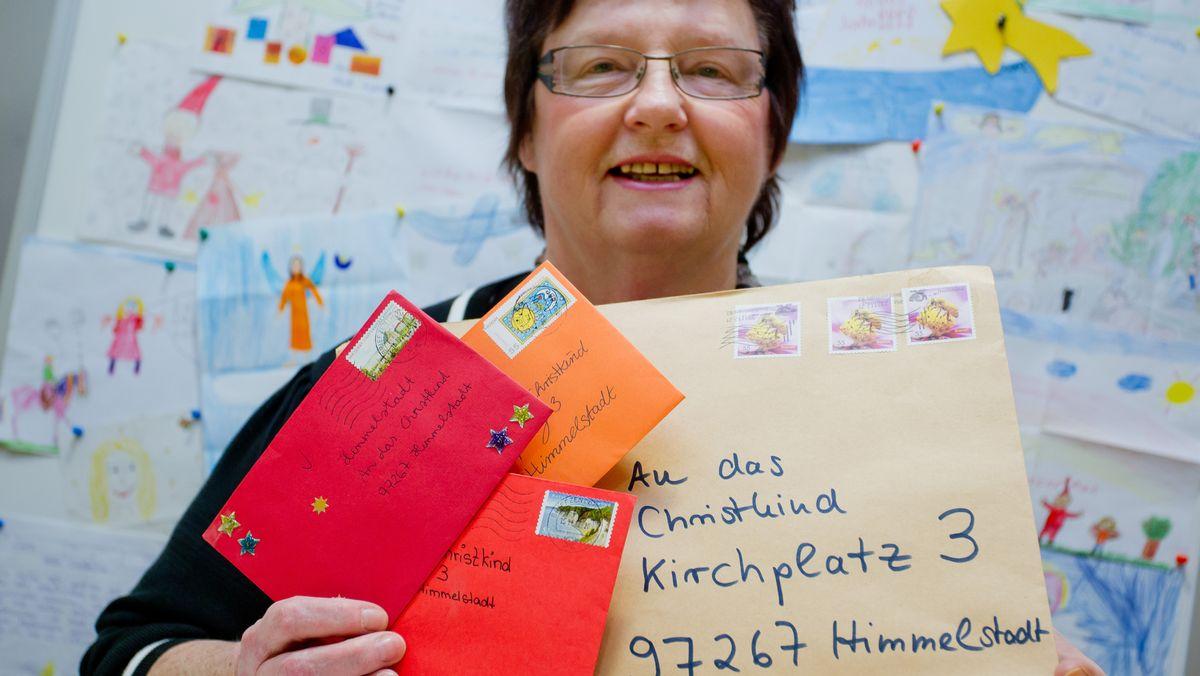 Rosemarie Schotte, die ehrenamtliche Leiterin des Weihnachtspostamts Himmelstadt