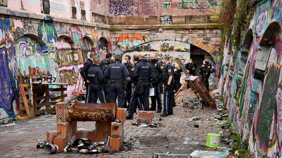 Die Polizei hat am Morgen eine illegale Rave-Party auf dem Gelände des Münchner Schlachthofs aufgelöst