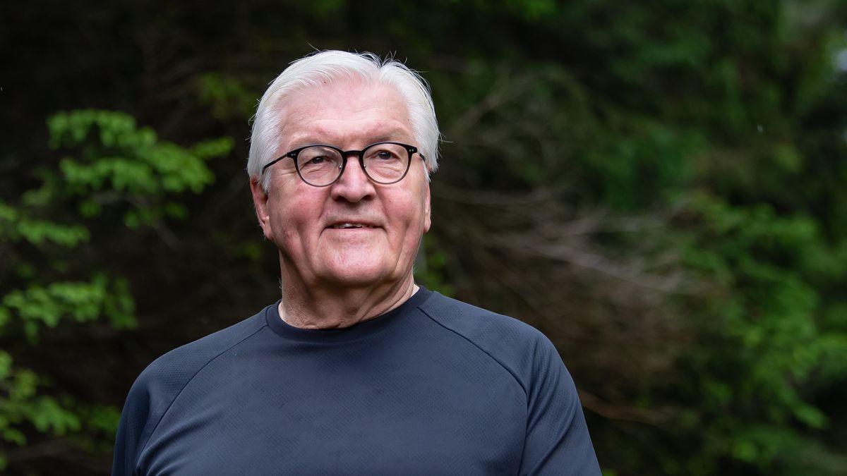In zwölf Wochen ist Bundestagswahl, bis dahin ist Deutschland im Wahlkampf. Der Ton wird rauer. Bundespräsident Steinmeier verfolgt das mit Sorge.